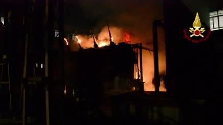 Incendio trasformatore Enel. Blackout buona parte di ...